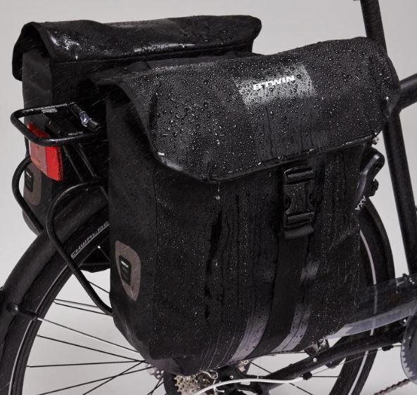 porta bagagens com alforges para bicicleta