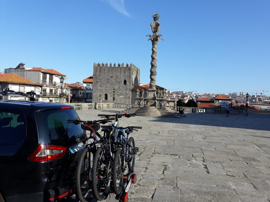 Táxi Bikes com entrega de bicicletas na Sé do Porto