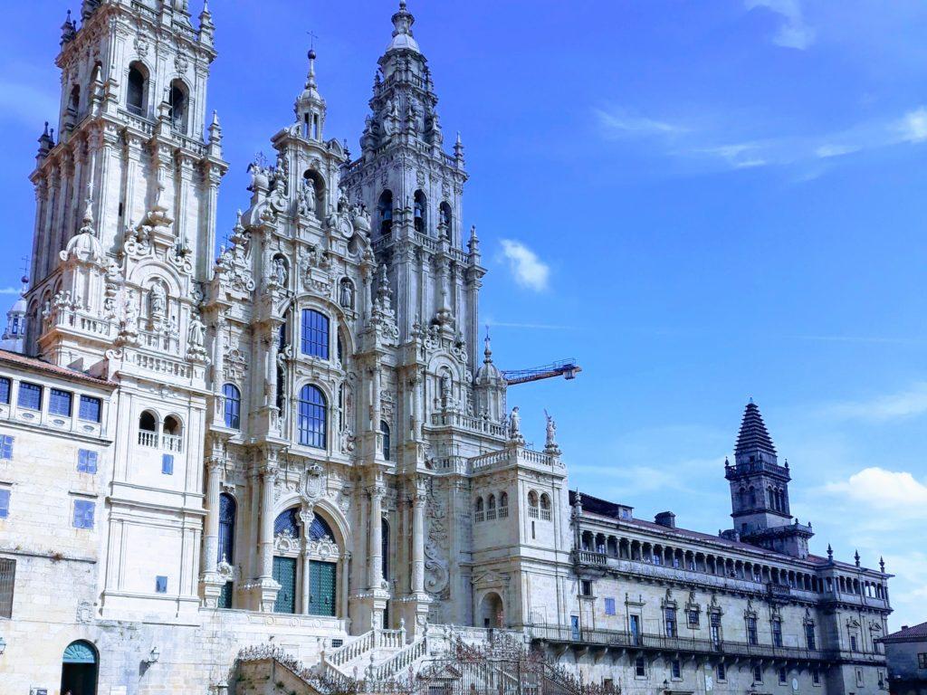 Die Kathedrale von Santiago de Compostela auf dem Obradoiro-Platz