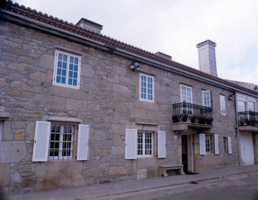 Casa Avelina Garrido Codeseda destinada a uso familiar e para um número grande de pessoas.