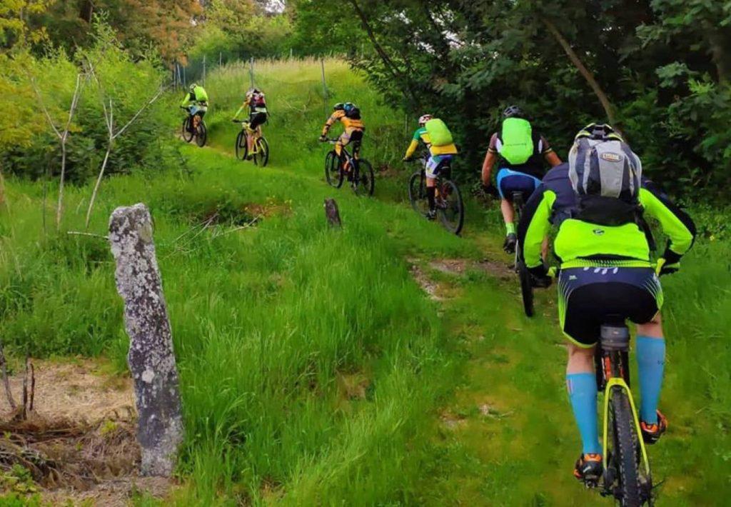 Voyage à vélo sur le chemin de Saint-Jacques