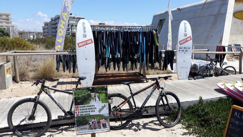 Aluguer de Bicicletas e Surf uma combinação para um dia perfeito