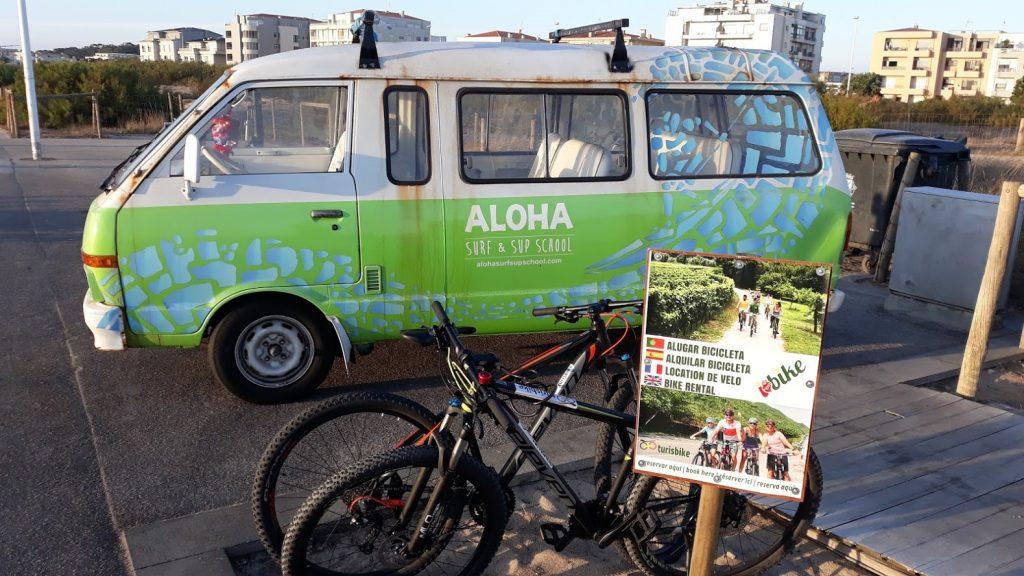 Transportamos as bicicletas e surfistas para o local desejado